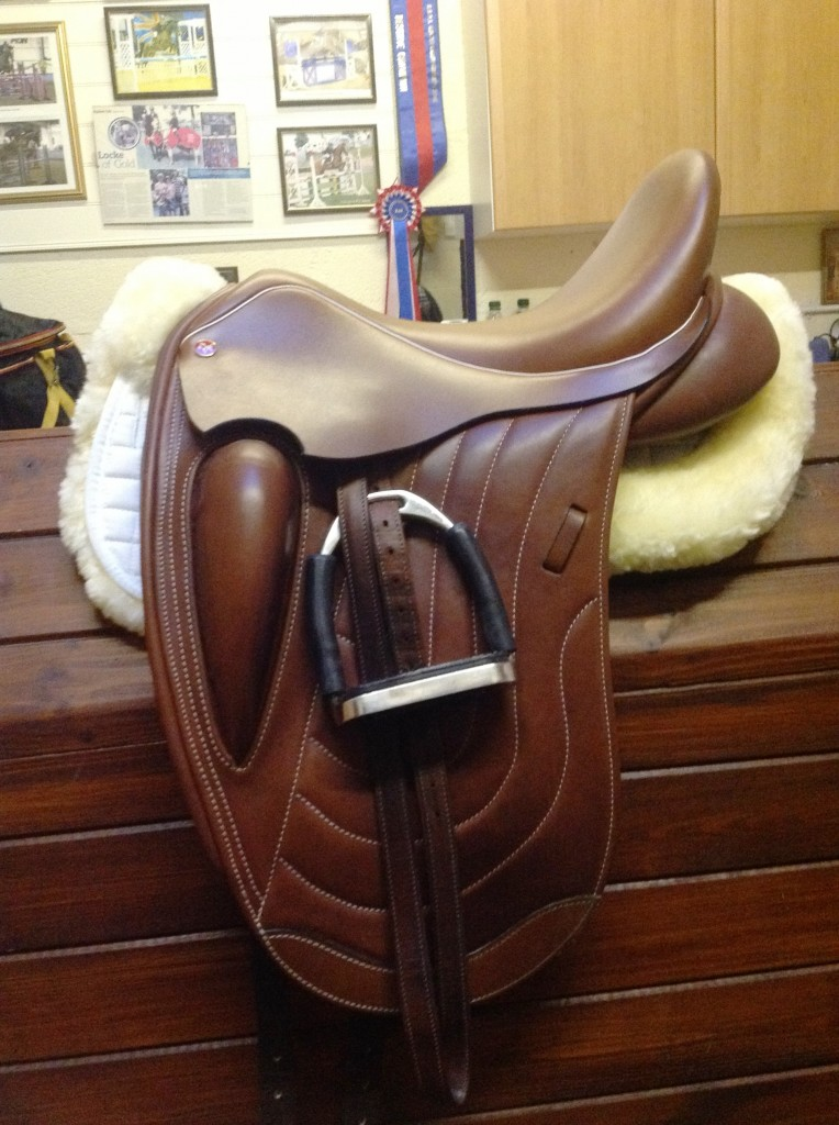 Comfort Elite Rapport Mono-Flap Dressage Saddle